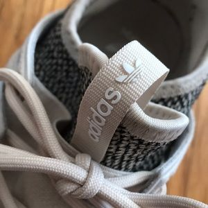 Adidas Tumblr Tennis Shoes. Size 5.5 womens.